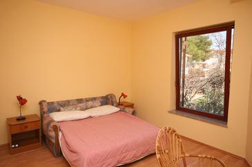 Turanj, Sypialnia w zakwaterowaniu typu room, dopusteni kucni ljubimci.