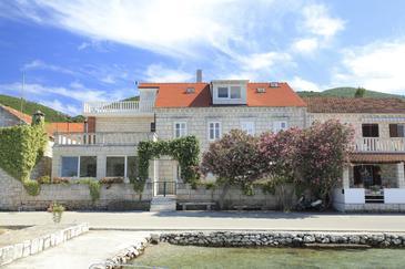 Property Kneža (Korčula) - Accommodation 4355 - Apartments near sea with pebble beach.