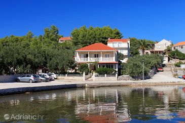 Property Lumbarda (Korčula) - Accommodation 4401 - Apartments near sea with pebble beach.