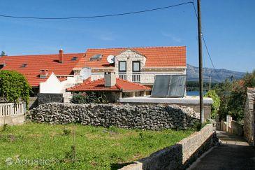 Property Lumbarda (Korčula) - Accommodation 4445 - Apartments near sea with sandy beach.