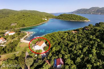 Property Uvala Vrbovica (Korčula) - Accommodation 4452 - Apartments near sea with pebble beach.