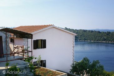 Property Karbuni (Korčula) - Accommodation 4465 - Apartments near sea.