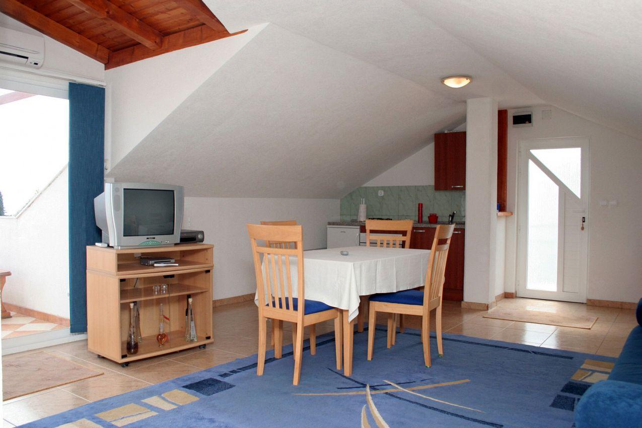 Apartmány s parkoviskom v meste Orebić - 4522