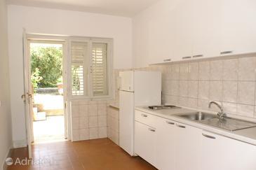 Duba Pelješka, Kitchen u smještaju tipa apartment, dopusteni kucni ljubimci.