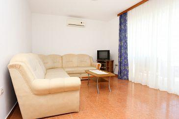Kučište - Perna, Pokój dzienny u smještaju tipa apartment, dostupna klima i WIFI.