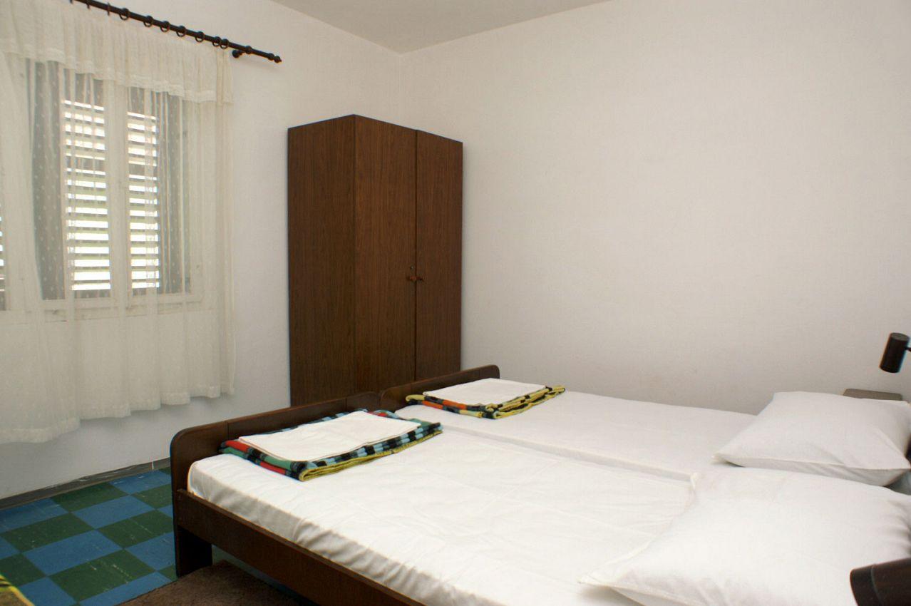Apartmány s parkoviskom v meste Drače - 4561