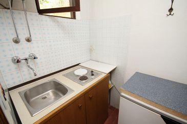 Jelsa, Kitchen u smještaju tipa studio-apartment, dopusteni kucni ljubimci i WIFI.