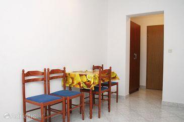 Hvar, Dining room u smještaju tipa studio-apartment, dostupna klima i WIFI.