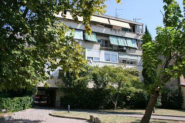 Property Omiš (Omiš) - Accommodation 4641 - Apartments near sea with sandy beach.