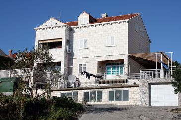Property Dubrovnik (Dubrovnik) - Accommodation 4679 - Apartments and Rooms with pebble beach.