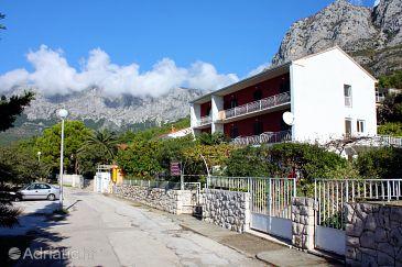 Property Zaostrog (Makarska) - Accommodation 4680 - Apartments near sea with pebble beach.