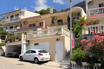 Property Baška Voda (Makarska) - Accommodation 4759 - Apartments with pebble beach.