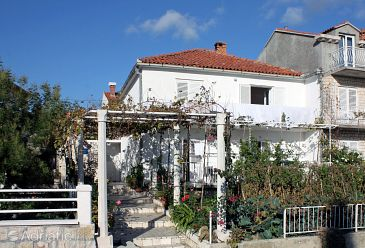 Property Srebreno (Dubrovnik) - Accommodation 4763 - Apartments and Rooms with pebble beach.