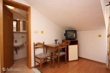 Duće, Dining room u smještaju tipa studio-apartment, WIFI.