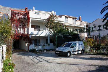 Obiekt Duće (Omiš) - Zakwaterowanie 4794 - Apartamenty blisko morza z piaszczystą plażą.