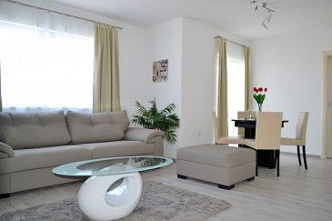 Duće, Living room u smještaju tipa apartment, dostupna klima i WIFI.