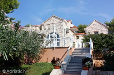 Property Sumartin (Brač) - Accommodation 4803 - Apartments near sea with pebble beach.