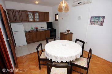 Apartment A-4819-a - Apartments Lokva Rogoznica (Omiš) - 4819