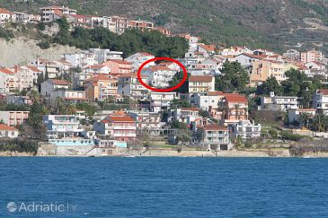 Podstrana, Split, Property 4859 - Apartments with pebble beach.
