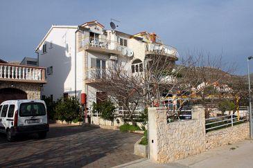 Obiekt Grebaštica (Šibenik) - Zakwaterowanie 4867 - Apartamenty ze żwirową plażą.