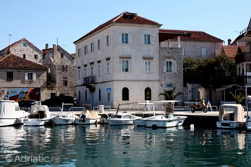 Property Trogir (Trogir) - Accommodation 4869 - Rooms near sea with pebble beach.