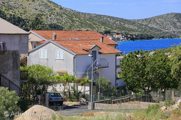 Property Grebaštica (Šibenik) - Accommodation 4880 - Apartments near sea with pebble beach.