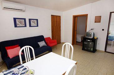 Seget Vranjica, Living room u smještaju tipa apartment, dostupna klima i WIFI.