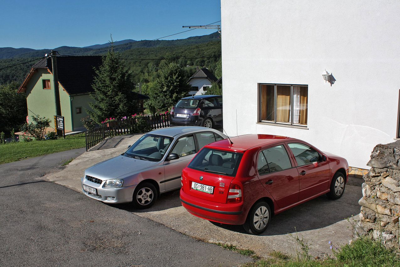 Apartmány s parkoviskom v meste Poljanak - 5027