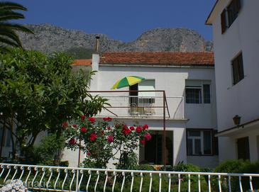 Brist, Makarska, Property 508 - Apartments blizu mora with pebble beach.
