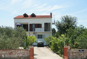Property Jezera (Murter) - Accommodation 5080 - Apartments with pebble beach.