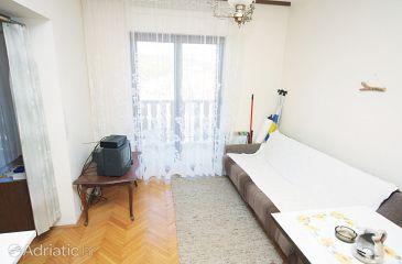 Tisno, Living room u smještaju tipa studio-apartment, dopusteni kucni ljubimci i WIFI.