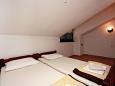 Bedroom 2 - Apartment A-5160-c - Apartments and Rooms Seget Vranjica (Trogir) - 5160