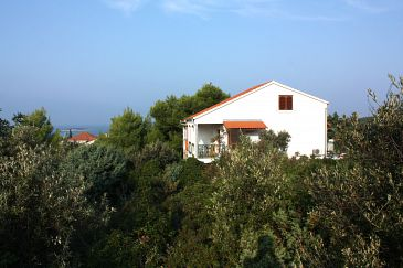 Maslinica, Šolta, Obiekt 5177 - Apartamenty ze żwirową plażą.