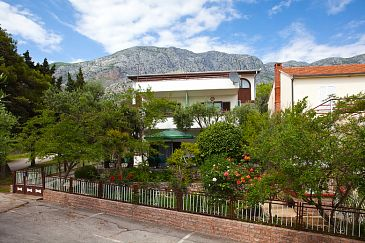 Property Živogošće - Blato (Makarska) - Accommodation 521 - Apartments and Rooms near sea with pebble beach.