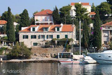 Property Maslinica (Šolta) - Accommodation 5216 - Apartments near sea with pebble beach.