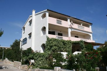 Property Mandre (Pag) - Accommodation 523 - Apartments near sea with pebble beach.