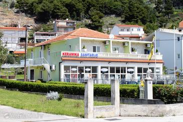 Property Omiš (Omiš) - Accommodation 5246 - Apartments with sandy beach.