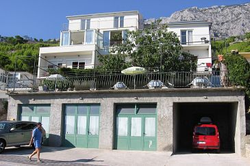 Property Tučepi (Makarska) - Accommodation 5263 - Rooms with pebble beach.