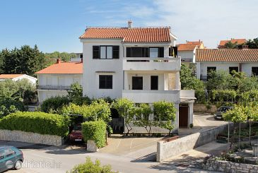 Property Krk (Krk) - Accommodation 5327 - Apartments with pebble beach.
