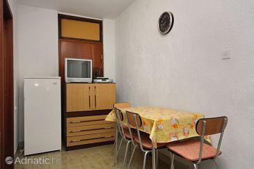 Šmrika, Dining room u smještaju tipa apartment.
