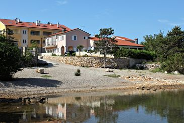 Property Klimno (Krk) - Accommodation 5361 - Apartments near sea with pebble beach.