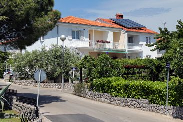 Property Krk (Krk) - Accommodation 5371 - Rooms with pebble beach.