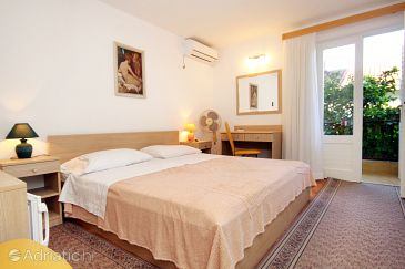 Room S-540-c - Apartments and Rooms Vrboska (Hvar) - 540