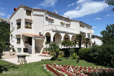 Property Baška (Krk) - Accommodation 5420 - Apartments with pebble beach.