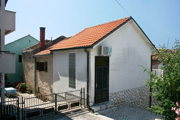 Property Selce (Crikvenica) - Accommodation 5473 - Vacation Rentals near sea.