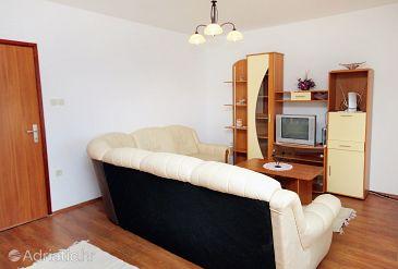 Novi Vinodolski, Living room u smještaju tipa apartment, dostupna klima, dopusteni kucni ljubimci i WIFI.
