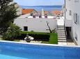 Crikvenica, Crikvenica, Courtyard 5489 - Apartments with pebble beach.