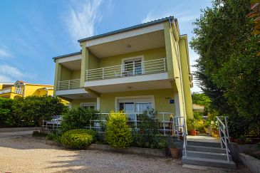 Property Crikvenica (Crikvenica) - Accommodation 5499 - Apartments with sandy beach.
