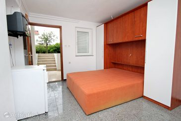 Room S-5509-a - Apartments and Rooms Krk (Krk) - 5509