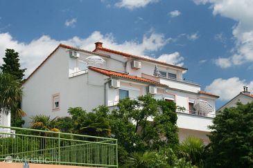 Property Dramalj (Crikvenica) - Accommodation 5534 - Apartments with pebble beach.